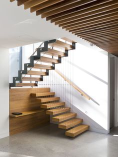Scenic Place by Urbourne Architecture – Stunning Staircase Design [case study] Brisbane, Melbourne, Stairs In Living Room, House Stairs, Arch House, Deck Stairs, Architecture Design, Stairs Architecture, Rustic Stairs