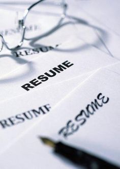 Self-Defeating Job-Search Moves to Avoid    http://finance.yahoo.com/blogs/power-your-future/self-defeating-job-search-moves-avoid-213659283.html