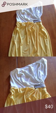 Donna Morgan one-shoulder dress One-shoulder white and yellow dress. Worn once Donna Morgan Dresses One Shoulder