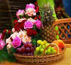 """""""Se não houver frutos, valeu a beleza das flores; se não houver flores, valeu a sombra das folhas; se não houver folhas, valeu a intenção da semente."""""""