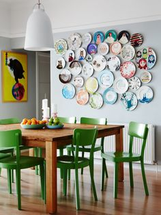 Love the green on the Thonet chairs