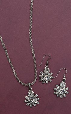 M&F Western Products® Silver Spur Rowel with Crystals Necklace and Earrings Jewelry Set 30268