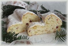 Vánoční štola Christmas Cookies, Mashed Potatoes, Food And Drink, Cheese, Ethnic Recipes, Basket, Xmas Cookies, Whipped Potatoes, Christmas Crack