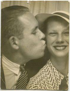 https://flic.kr/p/iGFDnC | Photobooth smooch | Vintage photo.