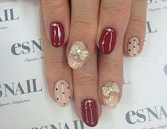 Οι μαμάδες δικαιούνται να φροντίσουν τον εαυτό τους πότε-πότε! Φέτος το Φθινόπωρο, ξεκινήστε από τα νύχια: δείτε τα ομορφότερα και πιο πρωτότυπα σχέδια για μανικιούρ που αποχαιρετούν το καλοκαίρι. Nails, Beauty, Finger Nails, Ongles, Beauty Illustration, Nail, Nail Manicure
