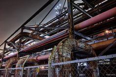 https://flic.kr/p/wTHhq8 | Pipe City | 工場とパイプは切っても切れない関係ですが、この場所でどちらが主役かというと…やっぱりパイプですね。  SIGMA DP1 Merrill  #CoolJapan #kawasaki #technoscape #pipescape