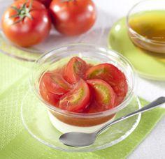 トマトって、こんな甘かったんだ!ウチカフェ夏コレクション第2弾♪甘いアメーラトマトがトッピングの、みずみずしい「ウチカフェ トマトとチーズのスイーツ」です(^^) http://lawson.eng.mg/0a5b6