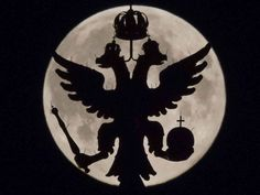 A two-headed eagle, the national symbol of Russia, is seen in front of the supermoon as it rises over the Historical Museum in Moscow. Wow a great shot! Supermoon Photos, Christ The Redeemer Statue, Back In The Ussr, National Symbols, Moon Rise, Super Moon, History Museum, Great Shots, Stars And Moon