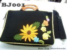 LOTS OF FLOWER Crochet laptop bag by hoatay on Etsy, $70.00