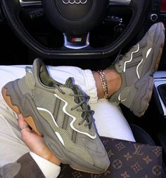 """sneakers/fashion/shoes/sport/men/woman/style yeezy/Comfortable and Stylish shoes/Fashion """"Adidas"""" Boost shoes/sportfashion shoes/Adidas Ultra Boost Sneakers Shoes Adidas, Adidas Outfit, Adidas Fashion, Sneakers Fashion, Fashion Shoes, Mens Fashion, Moda Sneakers, Shoes Sneakers, Yeezy Shoes"""