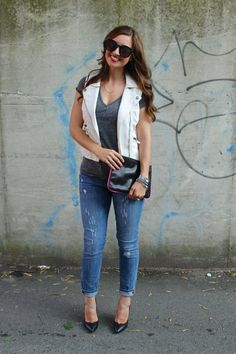 La Mariposa: White Vest & ripped jeans