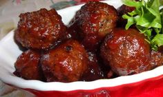 6 Super Bowl Party Meatballs, Fully Inflated With Deliciousness To The Max Allowable Amount Party Meatballs, Cocktail Meatballs, Spicy Appetizers, Easy Appetizer Recipes, Meatball Appetizers, Guacamole, Hot Spinach Dip, Thanksgiving Potluck, Buffalo Chicken Meatballs