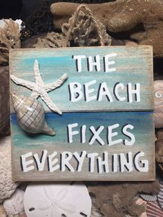 Multi color design this is a handmade beach themed, nautical piece of art, made from recycled pallet boards, sea shells (hand gathered by me) and polymer Pallet Wall Art, Pallet Boards, Pallet Signs, Wall Wood, Wood 8, Summer Deco, Beach Room, Beach Art, Seashell Crafts