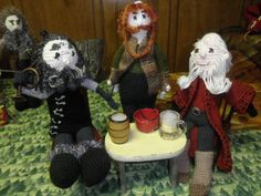 A merry gathering, Oin, Bombur, Balin.