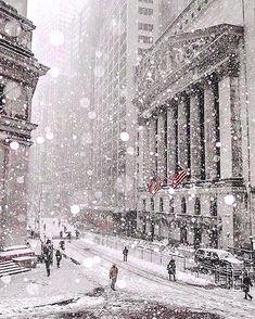 New York Stock Exchange in the Snow - New York in the Winter - FiDi Manhattan - New York City. New York Stock Exchange in the Snow - New York in the Winter - FiDi Manhattan - New York City Photography, Manhattan New York, New York Winter, City Photography, Winter Photography, New York Noel, New York Weihnachten, Photo New York, New York Christmas, City Aesthetic