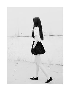 long hair / pocket skirt