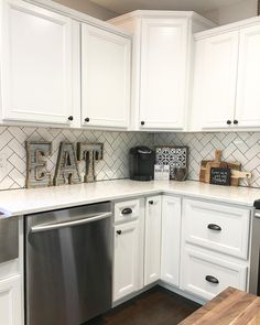 Ideas Kitchen Corner Counter Decor Cutting Boards For 2019 White Kitchen Backsplash, Kitchen Countertops, Kitchen Cabinets, White Cabinets, Quartz Countertops, Kitchen Appliances, Easy Backsplash, Quartz Backsplash, Beadboard Backsplash