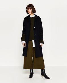 Image 1 de MANTEAU EN LAINE FAIT MAIN de Zara