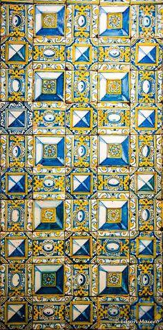 Uma parede de luz - Painel de azulejos com ponta de diamante - Lisboa (Portugal), primeiro quarto do século XVII