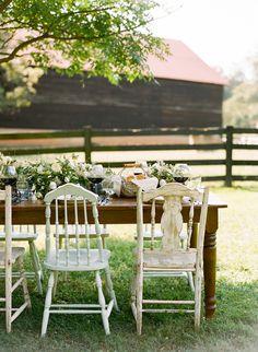 mixed vintage chairs | Ali Harper #wedding