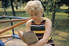 Marilyn Monroe Reads Joyce's Ulysses