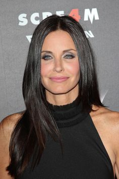 Style, beauty, love, and everything in between. Work Hairstyles, Celebrity Hairstyles, Pretty Hairstyles, Straight Hairstyles, Raven Hair Color, Pretty Hair Color, Bad Hair, Hair Day, Courtney Cox Hair