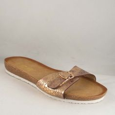 Poze Papuci Gold Bety Salvatore Ferragamo, Flats, Shoes, Fashion, Loafers & Slip Ons, Moda, Zapatos, Shoes Outlet, Fashion Styles