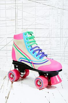 just for these i want to learn to skate! - Rainbow roller skates