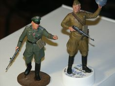 1/16 scale  German and Soviet officers