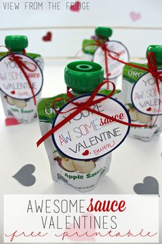 This year, hand out a more healthy treat for Valentine's Day ... Applesauce pouches with these cute (and FREE) Printable Tags!