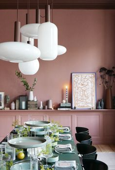 New products, a beautiful old apartment in the middle of Copenhagen and an inspiring interior with bold choices of colors and patterns in the new Ferm Living showroom. Interior Styling, Interior Design, Interior Inspiration, Color Inspiration, Pink Room, Pink Walls, Dining Area, Dining Room, Living Room Interior