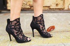 New Year's Eve party shoes   La Vie de Villa #fashion #streetstyle #blogger #chineselaundry