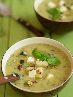 Zupa z pieczonej cukinii ze skwarkami z... cukinii