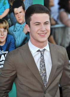 Lost Alum Dylan Minnette (David Shephard) has been cast as the male lead in the 13 Reasons Why TV show at Netflix, from producer Selena Gomez. Learn who else has been cast at TV Series Finale. Do you plan to watch? Thirteen Reasons Why, 13 Reasons, Selena Gomez Netflix, Best Series, Tv Series, Cute Celebrities, Celebs, Lost Tv Show, Bae