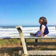 【nh.surfsunrise】さんのInstagramをピンしています。 《久しぶりにこんなにあったかい1日🌼 波が大きく、家の近くのポイントは上手なサーファーがたくさん。 そんな海を眺めながら、娘さんとスケッチブックにお絵描きしたり、貝を拾ったり、流木テントを補強したり…🏄平和な日曜日🙏🌟 #週末#日曜日#sunday#weekend#海#sea#beach#子供と遊ぶ#自然#japan#sunnyday#良い天気#ママライフ#子供#育児#4歳#peace》