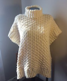 This poncho has a loose, over-sized fit and is great paired with leggings or your favourite skinny jeans.