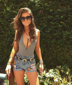 Country Music Festival Outfits Roundup - Collectively Christine - - I'm so excited for Stagecoach you guys! We are officially less than 3 weeks away and it's time to start planning your cute lil' country…. Festival Looks, Festival Mode, Festival Style, Edgy Outfits, Rave Outfits, Summer Outfits, Summer Concert Outfits, Summer Country Outfits, Autumn Outfits
