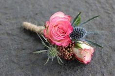 http://lorasweddingflowers.com/users/awp.php?ln=110659  pink and blue flowers