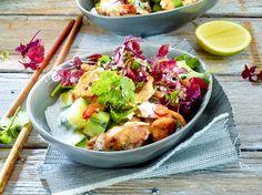 Unser beliebtes Rezept für Hähnchensalat mit Gurke und Kokosdressing und mehr als 55.000 weitere kostenlose Rezepte auf LECKER.de.