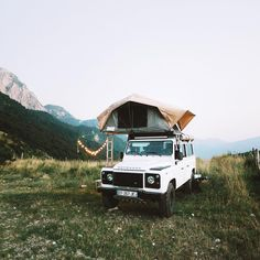 World Camping. Tips, Tricks, And Techniques For The Best Camping Experience. Camping is a great way to bond with family and friends. Camping Places, Go Camping, Outdoor Camping, Camping Store, Women Camping, Outdoor Life, Get Outdoors, The Great Outdoors, Adventure Awaits