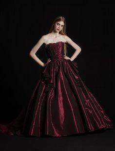 Premier Collection(プルミエコレクション):EHB018 レンタルウェディングドレス 大阪/東京/福岡