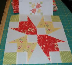 Garden Patch This is one of my favorite blocks. I love the white space in the center. This block reminds me of tulips and spring. Quilt Square Patterns, Pattern Blocks, Square Quilt, Quilting Tutorials, Quilting Projects, Quilting Designs, Quilting 101, Patchwork Quilting, Quilt Design