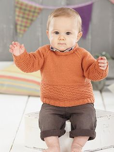 Design from Snuggly Little Chums (489).   This book has 14 scrumptiously textured handknits for boys and girls from birth to 7 years, knitted in Sirdar Snuggly DK. The designs in this book focus on cosy textures and interesting stitch details. There are trendy cabled sweaters and patterned cardies for boys. Then for the little girls there are bramble stitch knits, beautiful bonnets and trellis patterned cardies | English Yarns