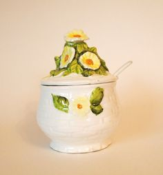 Geo Z Lefton Signed Daisies Jam/Jelly Jar with by HouseofLucien, $15.00 Types Of Plastics, Jelly Jars, Ceramic Jars, Jam Jar, Marmalade, Vintage Ceramic, Daisies, Geo, Spoon