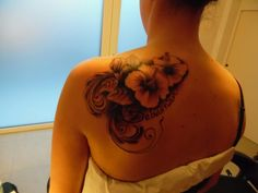 #tattoo #tasteofink #tattooart #flower #tatuaggio #hybiscus