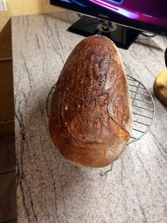 Špaldový chlieb z kvásku • recept • bonvivani.sk Bread, Food, Brot, Essen, Baking, Meals, Breads, Buns, Yemek