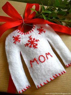 Shopgirl: Christmas Sweater Gift Tags