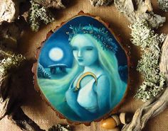 The Druidess, oil painting on wood slice with gold leaf by SecretaShop. © Amaya de la Hoz