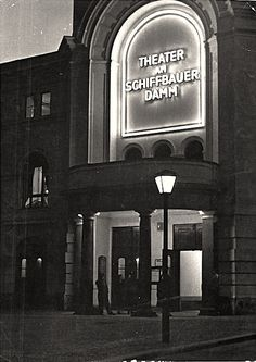 Theater Berliner Ensemble am Schiffbauerdamm © Bundesarchiv-Bild