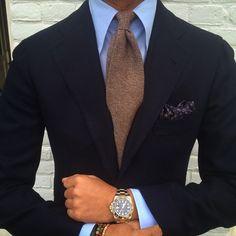 "The beauty of a Viola Milano ""Rust"" 7-fold cashmere tie worn by @rickycarlo... Jacket by @orazio_luciano www.violamilano.com #vm #violamilano #handmade #madeinitaly #luxury #essential #timeless #laverasartorianapoletana #orazioluciano"